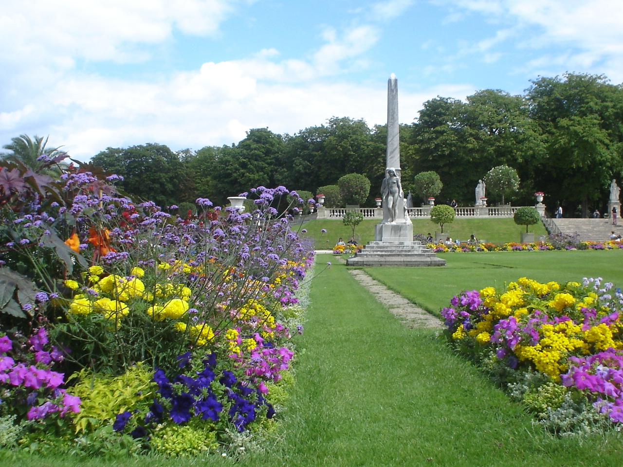Jardins de luxemburgo vitortrotamundo for 5 jardins de lucie